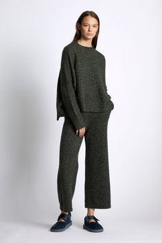 GBP Our Signature boxy pullover with a grown on high neck in a super soft Cashmere / Silk blend. Cropped Trousers, Trousers Women, Dark Men, Cashmere Wool, Light In The Dark, Normcore, Dresses With Sleeves, Unisex, Pullover
