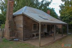 We recently enjoyed a farm stay at Brickendon Estate in Longford Tasmania, just outside of Launceston. It's a convict World Heritage Site Australian Holidays, Australian Homes, Australian Bush, Little Cottages, Country Cottages, Home Shelter, Colonial Cottage, Natural Homes, Australian Architecture