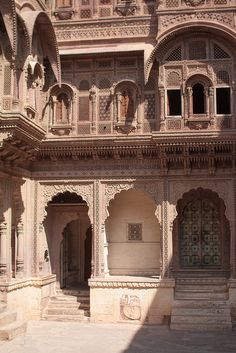 Mughal Architecture, Ancient Architecture, Beautiful Architecture, Beautiful Buildings, Art And Architecture, Beautiful Places, Places To Travel, Places To See, Temple India