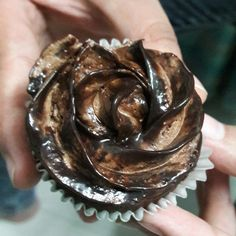Two toned chocolate ganache frosting
