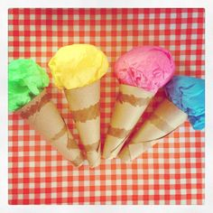 Make pretend-play ice cream cones out of toilet paper cardboard and tissue paper- Ice Cream Cone Craft, Play Ice Cream, Ice Cream Crafts, Ice Cream Stand, Ice Cream Art, Ice Cream Theme, Ice Cream Parlor, Ice Cream Parlour Role Play, Ice Cream Kids
