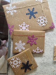 Snowflake decorated brown Kraft paper gift wrap