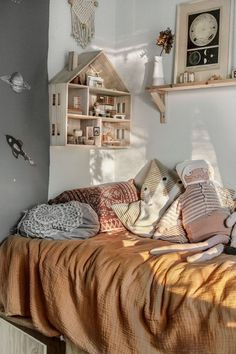 Our home with January light and some thoughts (Northern Sisters Collective) Unser Zuhause mit Januarlicht und ein paar Gedanken Childrens Bedroom Furniture, Kids Bedroom Sets, Small Room Bedroom, Modern Bedroom, Kids Furniture, Little Girl Rooms, Kid Spaces, Room Inspiration, Home