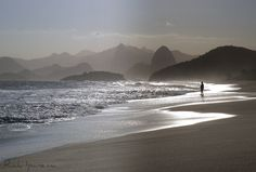 Praia de Piratininga - Niteroi - Rio de Janeiro by .**rickipanema**., via Flickr
