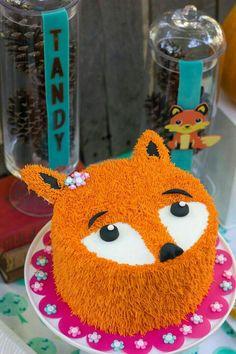 Fox cake from a Crafty Like a Fox Birthday Party on Kara's Party Ideas Animal Birthday, Baby Birthday, 1st Birthday Parties, Kylie Birthday, Birthday Cakes, Birthday Ideas, Fox Party, Animal Party, Fox Cake