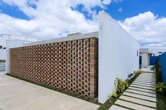 Completed in 2017 in Brazil. Images by Antônio Preggo. We are looking for a contemporary and genuine architecture from Pernambuco. Located in a private condominium on the outskirts of the urban perimeter...