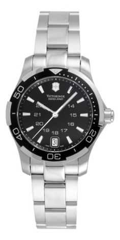 Stainless steel round case Stainless steel bracelet 2 piece unidirectional bezel Luminous hands and hour markers Water-resistant to 330 feet (100 M) Display Type : Analogue Water-restistant (bar) : 100 Diameter (without crown) in mm/inches : 32 / 1,26 Weight in g/ounces : 94 / 3,32