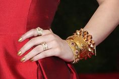 Hailee Steinfeld went the vintage route with Beladora Jewelry.