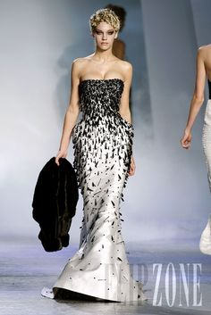 "Zuhair Murad - Couture - ""Winter rhapsody"", F/W 2009-2010 - http://en.flip-zone.com/fashion/couture-1/fashion-houses/zuhair-murad-1017"