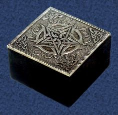 Retrostyle Korea Princess jewelry box square dark gothic metal