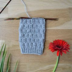 Knitting Stitches, Knitting Socks, Crochet Socks, Knit Crochet, Boot Toppers, Wool Socks, Diy Projects To Try, Mittens, Sewing