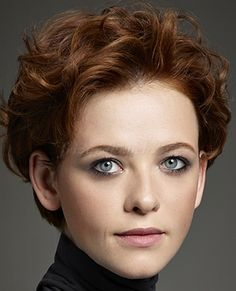 Do you like your wavy hair and do not change it for anything? But it's not always easy to put your curls in value … Need some hairstyle ideas to magnify your wavy hair? Short Wavy Hairstyles For Women, Short Wavy Haircuts, Curly Hair Styles, Hair Styles 2014, Simple Prom Hair, Textured Hair, Hair Trends, Hair Cuts, Hair 2014