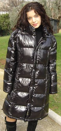 Leichte Daunenjacke, Regenmantel, Süße Outfits, Kleidung, Glanz, Schwarzer  Regenmantel, Daunenmantel 883e784cd8