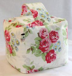 This gorgeous floral doorstops is great for letting fresh spring air circulate in your home :)
