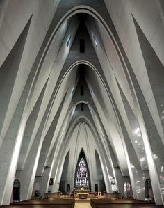 Modern take of cathedral architecture // St Martin - Donges - Jean Dorian - 1957 Sacred Architecture, Art Et Architecture, Religious Architecture, Beautiful Architecture, Installation Architecture, Corpus Christi, Architecture Religieuse, Die Renaissance, Modern Church