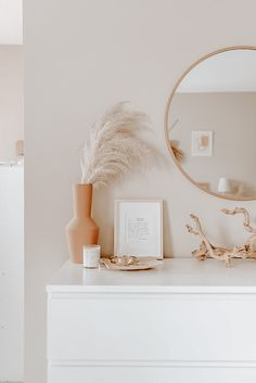 Home Interior Blue Room Ideas Bedroom, Home Decor Bedroom, Living Room Decor, Bedroom Art, Design Bedroom, Bedroom Inspo, Bedroom Wall Colour Ideas, Mirror In Bedroom, White Room Decor