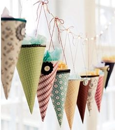 Party favor garland