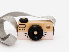 Houten camera roze