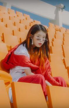 Lee Ji Eun(아이유) BBIBBI(삐삐) 2018 J Pop, Warner Music, Folk, Love U Forever, Aesthetic Photo, Korean Singer, She Song, Pretty People, Girl Group