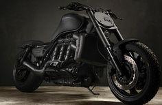 All Black version of a Triumph Rocket 3 OMG!!! ERIK would luv