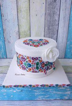 Little folk cake by Kmeci Cakes