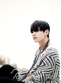 Image via We Heart It https://weheartit.com/entry/175725848 #boy #cute #kpop #style #v #ineedu #koreanboys #bts #taetae #bangtanboys #taehyung #taehyung #btsv