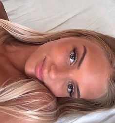Natural beauty instagram pose hair and makeup