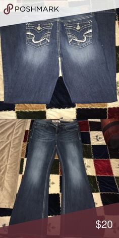 Jeans size 9 lei brand flare leg Jeans l.e.i. Flare leg size 9 decorative back pockets lei Jeans Boot Cut