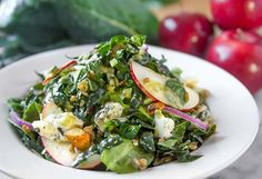 Kale salad recipe with apples, farro, blue cheese and lemon-herb vinaigrette dressing from Nordstrom. Photo by Jeff Powell.