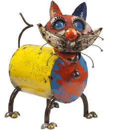 EEIEEIO Metal Animal Whiskers Cat Garden Art Sculpture from Earth Homewares