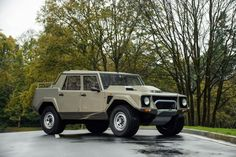 1986-90 Lamborghini LM002 suv supertruck luxury wallpaper  background.