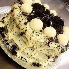 Twix Chocolate, Cake Recipes, Dessert Recipes, Oreo Cake, Food Cravings, Yummy Cakes, Easy Desserts, Love Food, Cupcake Cakes