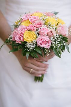 Jeg leter etter brudepar til samarbeid om kule bryllupsbilder. Heldags bryllupsfotografering til redusert pris! Planting Flowers, Wedding Bouquets, Beautiful Pictures, Floral Wreath, Wedding Inspiration, Wreaths, Plants, Blog, Floral Crown