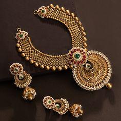 Jadtar Necklace Set jewellery for Women by jewelegance. ✔ Certified Hallmark Premium Gold Jewellery At Best Price Antique Jewellery Designs, Gold Jewellery Design, Antique Jewelry, Gold Jewelry, Antique Necklace, Western Jewelry, Bohemian Jewelry, Kundan Jewellery Set, Indian Jewelry Sets
