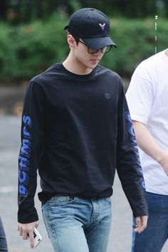 Sehun - 160826 KBS Music Bank, commute Credit: Selected. (KBS 뮤직뱅크 출근길)