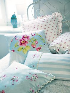 #Shabby_Chic #cottage #blue floral linens