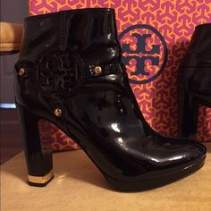 Tory Burch booties! Patent leather barely worn!! Tory Burch Shoes