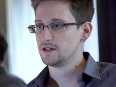 Edward Snowden has outed himself in the Prism Scandal as the National Security Whistleblower Edward Snowden, Glasgow, Spy Devices, Donald Trump, Canal No Youtube, Us Government, Take Action, Political News, Smart Tv