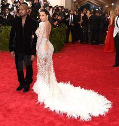Kim Kardashian et Kanye West habillés par Roberto Cavalli.© DR