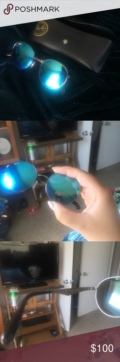 Blue Round Ray-Ban Sunglasses Have some scratches because they have been worn, but nothing major. Ray-Ban Accessories Sunglasses