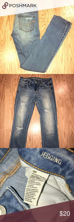 American eagle jeggings skinny jeans Light washed destroyed American eagle jeggings! Size 00 perfect condition! American Eagle Outfitters Jeans Skinny