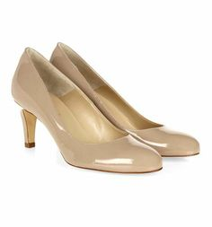 Sleek and sophisticated, these elegant court shoes are perfect for the office. Low Heel Shoes, Low Heels, Shoes Heels, Anniversary Outfit, Court Shoes, Kitten Heels, Beige, Elegant, Boots