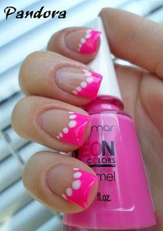 Pandora nails: Pink & dots