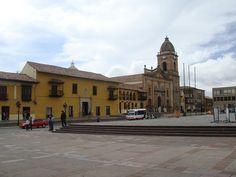http://www.viajesyturismoaldia.com/2012/09/12/el-patrimonio-historico-de-tunja-en-colombia/ A 130 km de la capital Bogotá, se ubica Tunja, en Colombia, que posee una oferta turística basada en su riquísima historia, puesto que está asentada donde se situaba la ciudad muisca de Hunza, en la época precolombina, además de poseer un lindo patrimonio arquitectónico, especialmente en su región central.