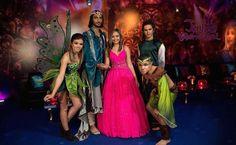 Festa tema Tomorrowland: aniversariante com os personagens da festa - Foto: Luiz Claudio Fotografia