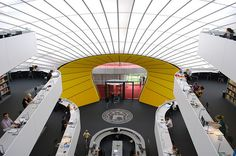 Striking (and seemingly user-friendly library). (The Free University of Berlin Library, Norman Foster Partners)