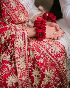 Whatsapp Dp, Wedding Dresses For Girls, Bridal Dresses, Pakistani Bridal Couture, Bridal Dupatta, Beautiful Pakistani Dresses, Bridal Dress Design, Bridal Photoshoot, Asian Bridal