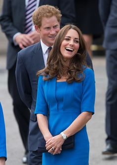 Kate Middleton Is Moved to Tears During a Special Royal Stop. Very nice picture for Kate Middleton. Kate Middleton Prince William, Prince William And Catherine, William Kate, Duchess Kate, Duchess Of Cambridge, Prince Harry And Kate, Kate Middleton Style, Princesa Diana, Princess Charlotte