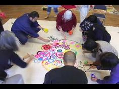 VIDEO about circle painting--circles, dots, lines, squiggles. Group Art Projects, Collaborative Art Projects, Art Therapy Projects, Circle Painting, Large Painting, Painting Art, Middle School Art, High School, Ecole Art
