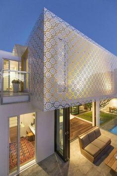 brise soleil lgant maison moderne plain pied avec piscine - Facade Maison Moderne